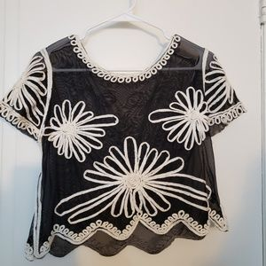 Tops - Blanca with white flowers  crop top